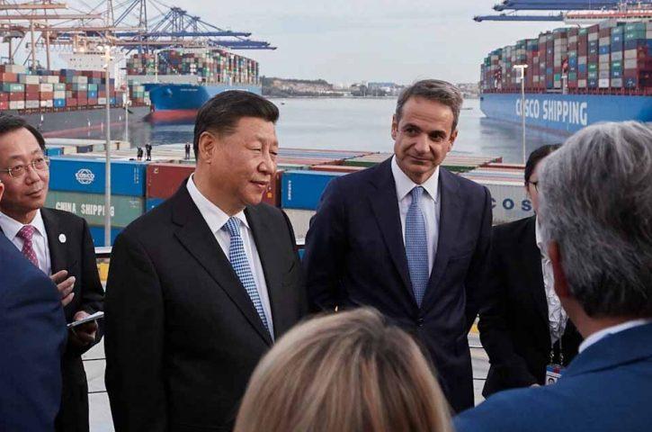 Ο Πρωθυπουργός Κυριάκος Μητσοτάκης και ο Πρόεδρος της Λαϊκής Δημοκρατίας της Κίνας Xi Jinping, επισκέφθηκαν τις εγκαταστάσεις της Cosco