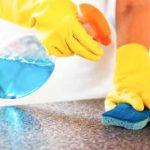Ο καθαρισμός και η απολύμανση των δημόσιων και ιδιωτικών χώρων
