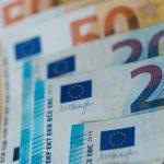 Πιστώνονται σήμερα 420 εκατ. ευρώ της Επιστρεπτέας Προκαταβολής 4