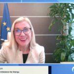 Τις προσπάθειες της Ελλάδας στο ενεργειακό πεδίο εξήρε η επίτροπος Ενέργειας Κάντρι Σίμσον στο Athens Energy Dialogues