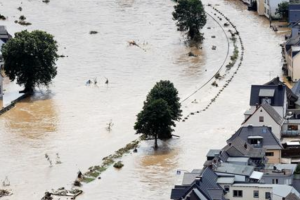 Θα υπάρξουν περισσότερα επεισόδια έντονων βροχοπτώσεων και παρατεταμένων ξηρασιών